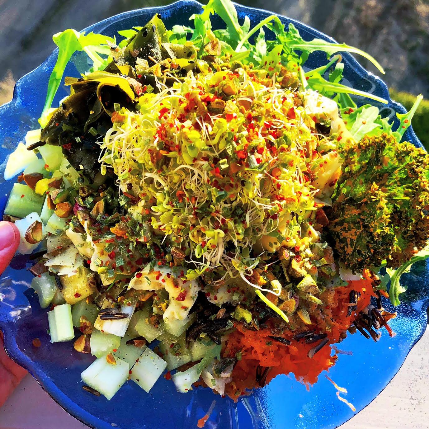 Nydelig og fresh salat med et overflod av mikronæringsstoffer!