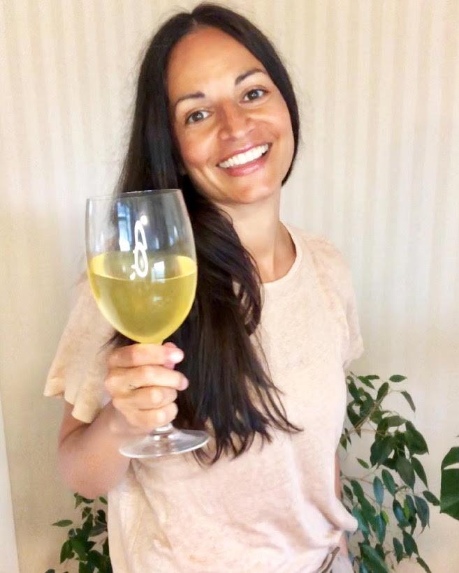 Skål, Det Er Mandag Og Hurra For Acerola Juice I Norge!